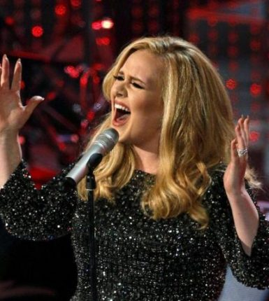 adele-on-stage