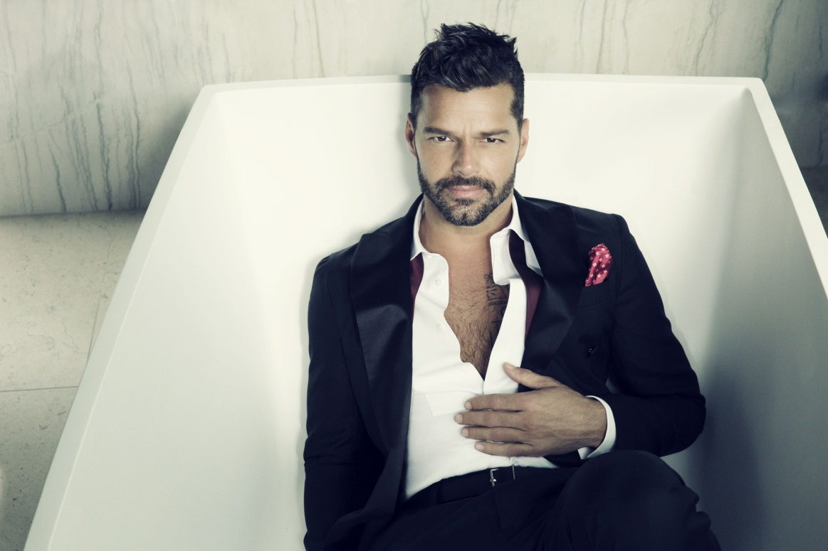 Ricky Martin claims on twitter that has never done playback